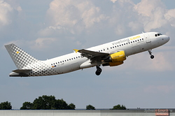 Airbus A320-214 Vueling Airlines EC-JGM