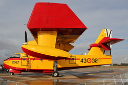 Canadair CL-215T Spain Air Force UD.14-02 / 2067 / 43-32