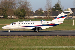 Cessna 550B Citation Bravo Sky Diving F-GVUJ
