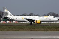Airbus A320-214 Vueling Airlines EC-KLB