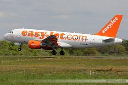 Airbus A319-111 EasyJet G-EZIL