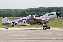 Supermarine 361 Spitfire LF9B PH-OUQ / MK732 / 3W-17