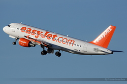 Airbus A320-214 EasyJet Airline G-EZUC