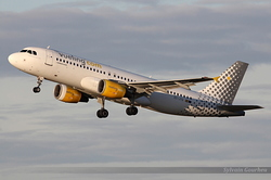 Airbus A320-214 Vueling Airlines EC-JTQ