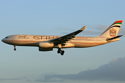 Airbus A330-243 Etihad Airways A6-EYR