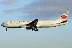 Boeing 767-375(ER) Air Canada C-FOCA