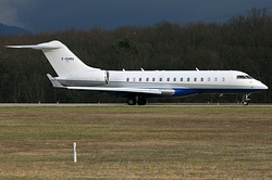 Bombardier BD-700-1A10 Global Express LVMH Services F-GVMV