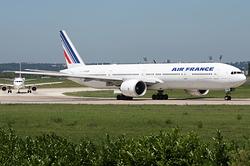 Boeing 777-328/ER Air France F-GSQR