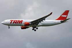 Airbus A330-203 TAM Linhas Aéreas PT-MVL