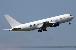 Boeing 767-216/ER ZS-DJI