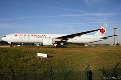 Boeing 777-333/ER Air Canada C-FITU