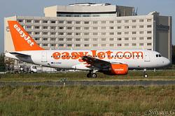 Airbus A319-111 easyJet G-EZNC
