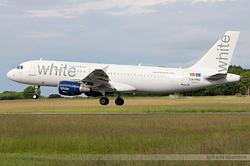 Airbus A320-214 White CS-TRO