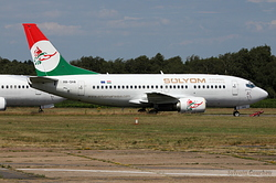 Boeing 737-505 Sólyom Hungarian Airways HA-SHA