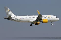 Airbus A320-214(WL) Vueling EC-MAI