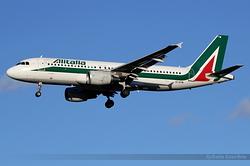 Airbus A320-216 Alitalia EI-DTM