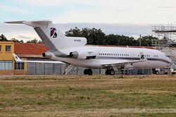 Boeing 727-76 M-FAHD