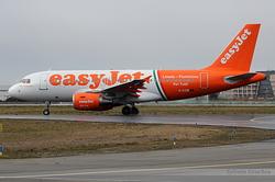 Airbus A319-111 easyJet G-EZIW