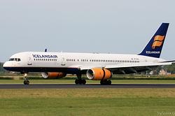 Boeing 757-208 Icelandair TF-FIO