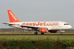 Airbus A319-111 easyJet G-EZEK