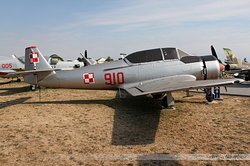 PZL TS-8 Bies Poland Air Force 910
