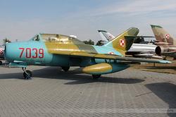 Mikoyan-Gurevich MiG-15 (Lim-2) Poland Air Force 7039