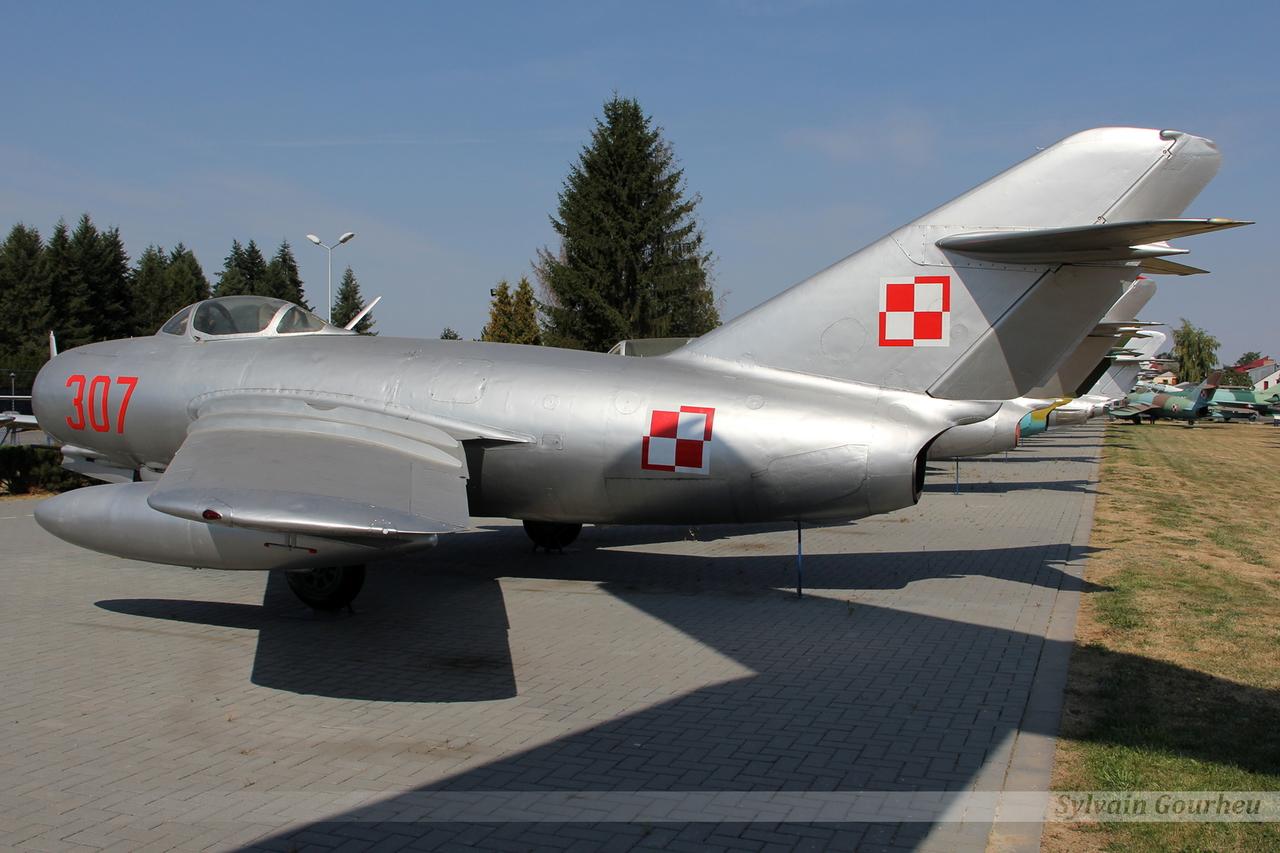 Mikoyan-Gurevich MiG-15 (Lim-2) Poland Air Force 307