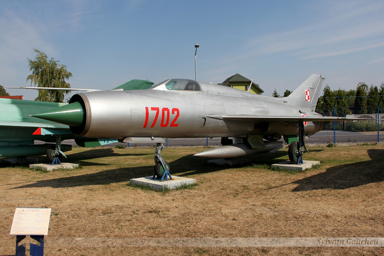 Mikoyan-Gurevich MiG-21PF Poland Air Force 1702