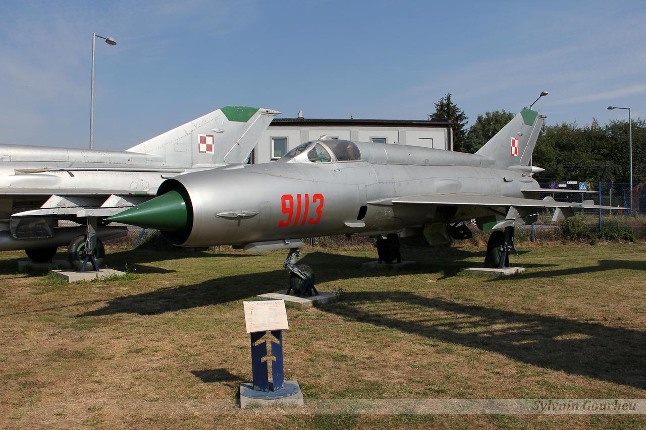 Mikoyan-Gurevich MiG-21MF Poland Air Force 9113