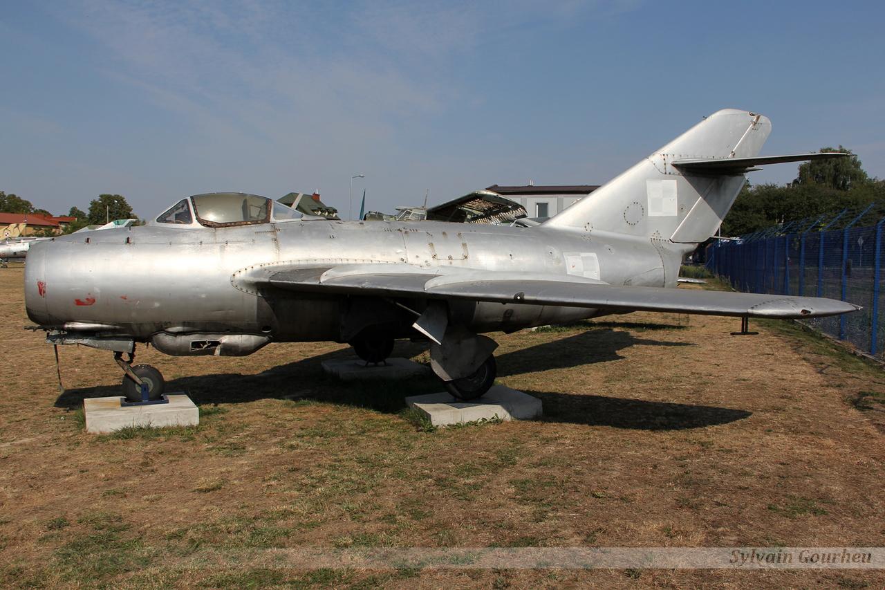 Mikoyan-Gurevich MiG-15 (Lim-2) Poland Air Force 512