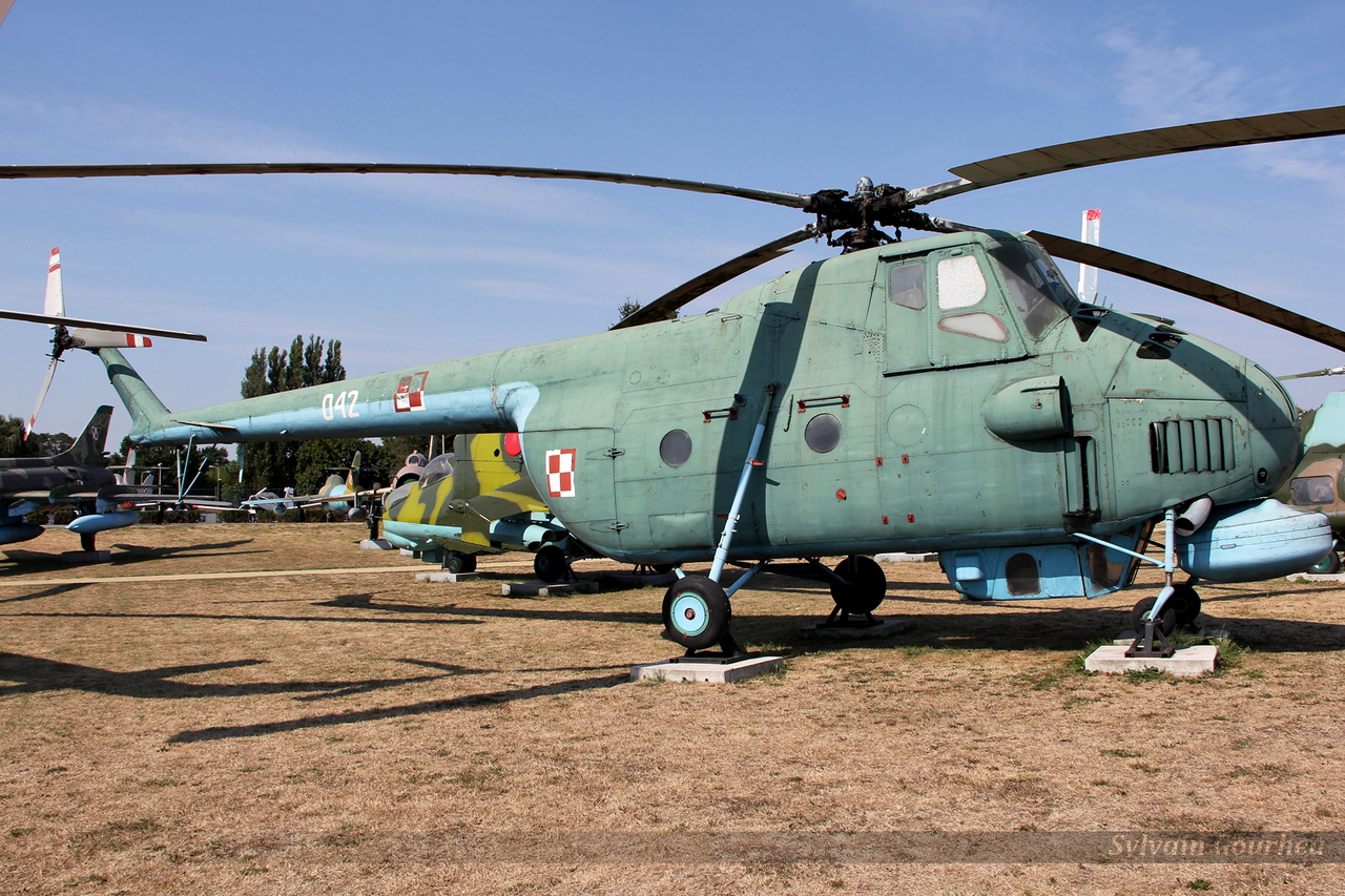 Mil Mi-4ME Polish Navy 042