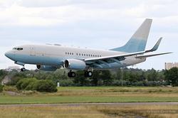 Boeing 737-73U(BBJ) Universal Aviation N742PB