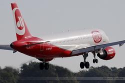 Airbus A320-214 Niki OE-LEY