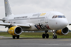 Airbus A320-232 Vueling EC-MEQ