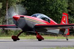 Extra 300L Royal Jordanian Falcon JY-RFB
