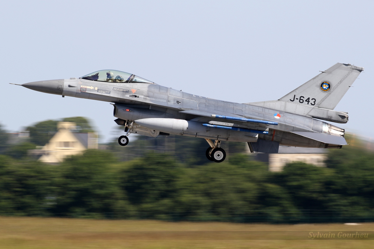 General Dynamics F-16AM Fighting Falcon Netherlands Air Force J-643