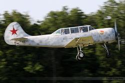 Yakovlev Yak-52 F-WRYJ