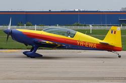 Extra 300L Romanian Airclub YR-EWA
