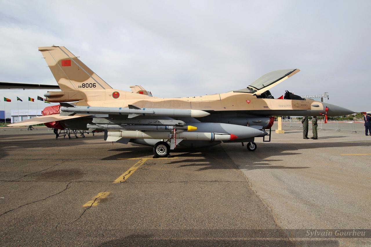 Photos RMAF F-16 C/D Block 52+ - Page 12 20181031215027-bc7c59f9-me