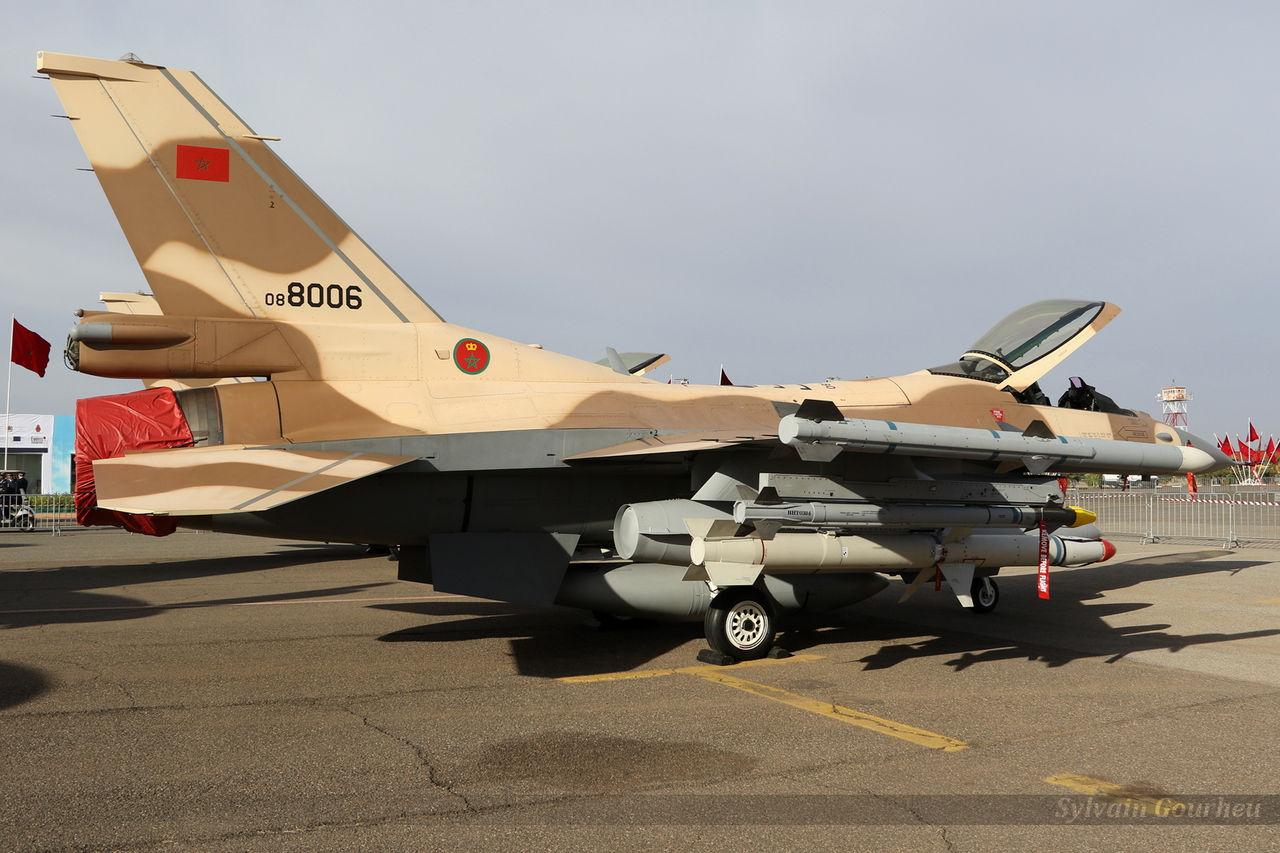 Photos RMAF F-16 C/D Block 52+ - Page 12 20181031215043-4384efc7-me