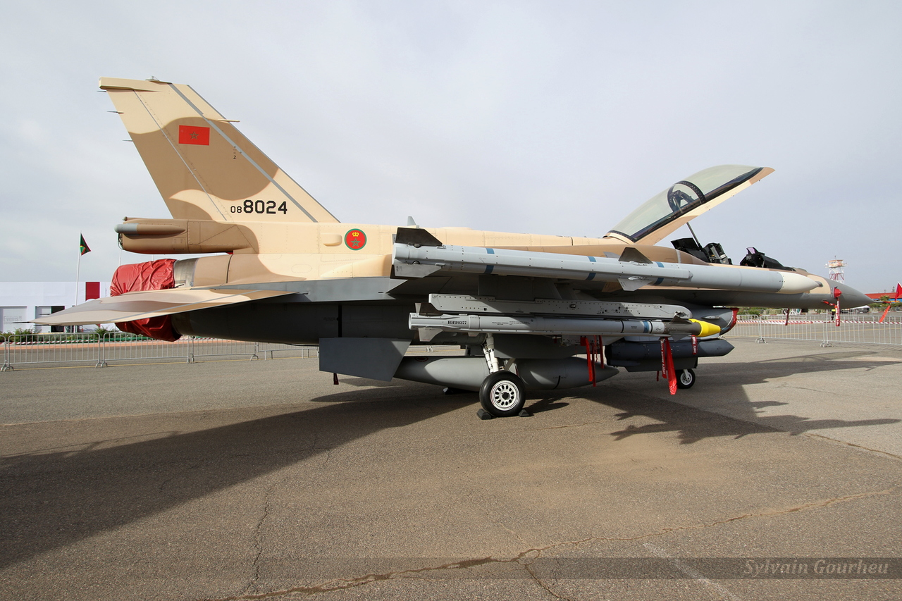 Photos RMAF F-16 C/D Block 52+ - Page 12 20181031215100-cce9959f-me