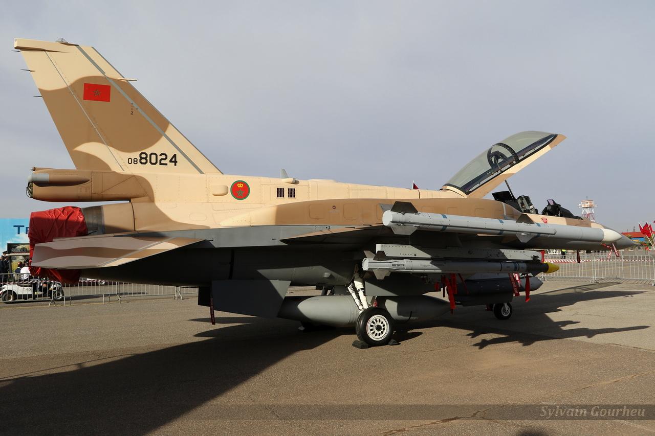 Photos RMAF F-16 C/D Block 52+ - Page 12 20181031215115-c1b329ec-me