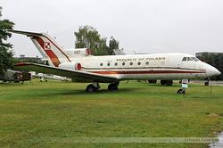 Yakovlev Yak-40 Polish Air Force 037
