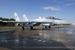 Sukhoi Su-35S Flanker-E Russian Air Force RF-81861 / 17 Red