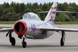 Mikoyan-Gurevich MiG-15UTI Midget RA-0488G / 15 Blue