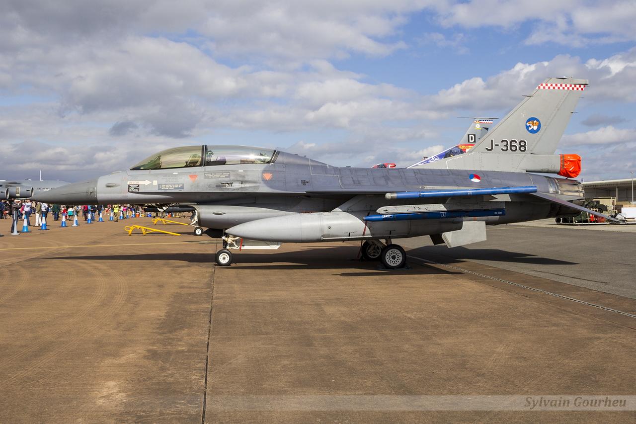 General Dynamics F-16B Fighting Falcon Royal Netherlands Air Force J-368